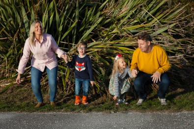 natural-outdoor-family-photographer-poole-woolfenden-112