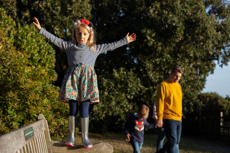 natural-outdoor-family-photographer-poole-woolfenden-148