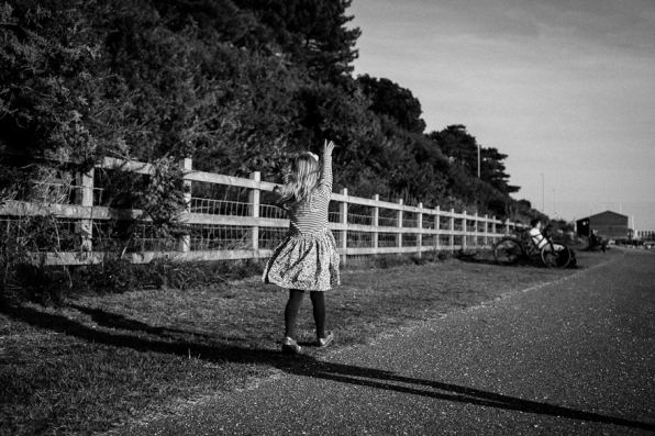 natural-outdoor-family-photographer-poole-woolfenden-26