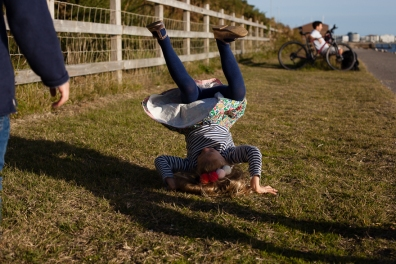 natural-outdoor-family-photographer-poole-woolfenden-27