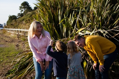 natural-outdoor-family-photographer-poole-woolfenden-96